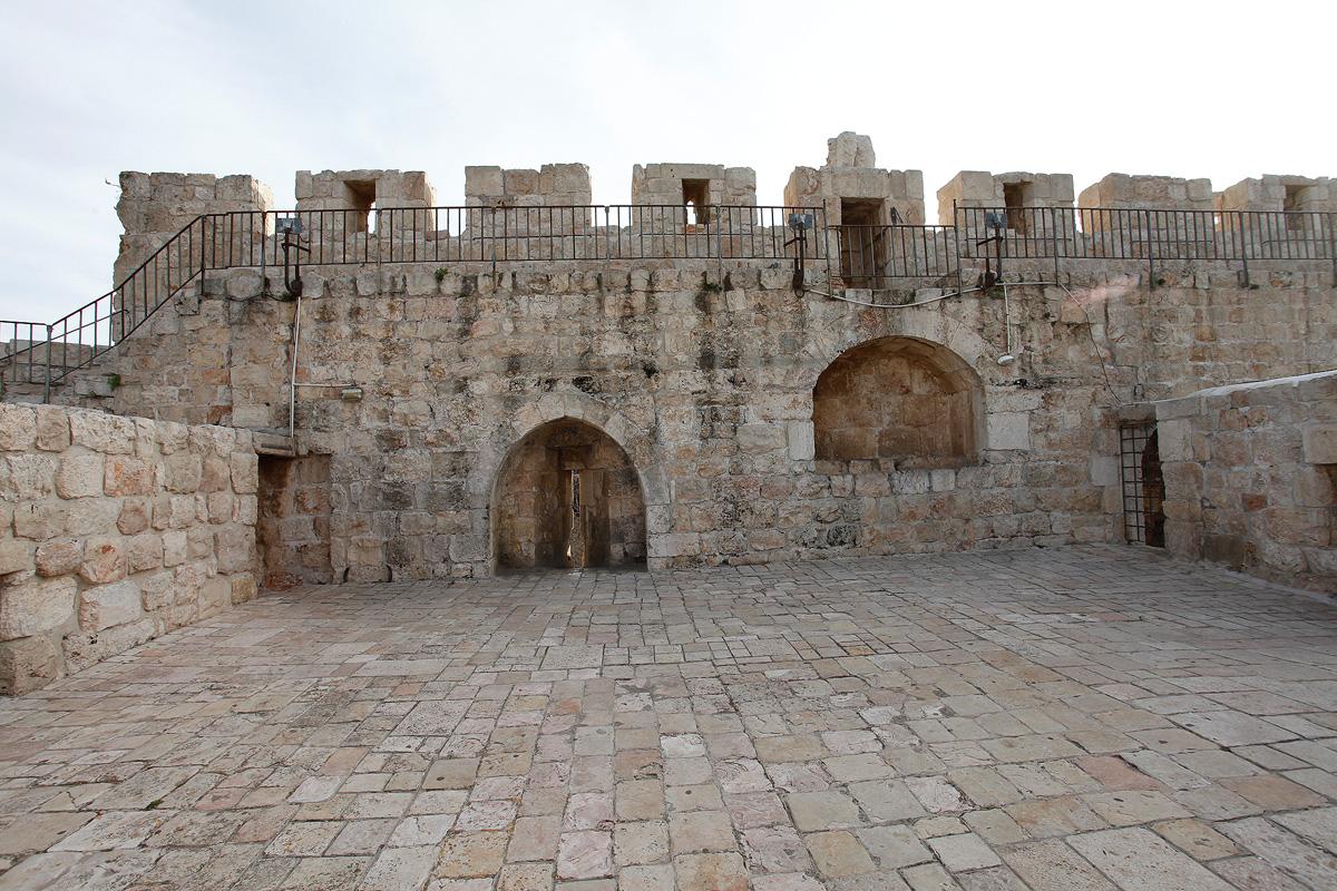 טיילת החומות