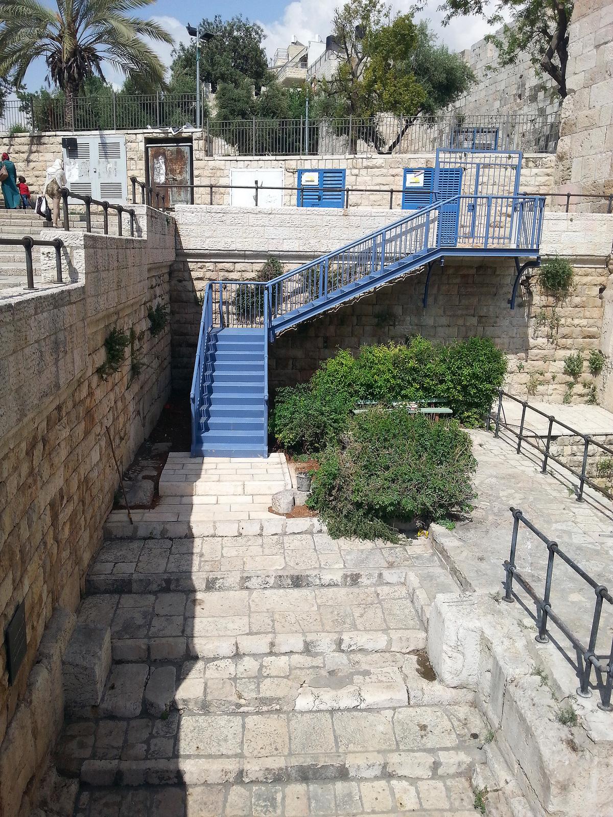 מדרגות הכיכר הרומית